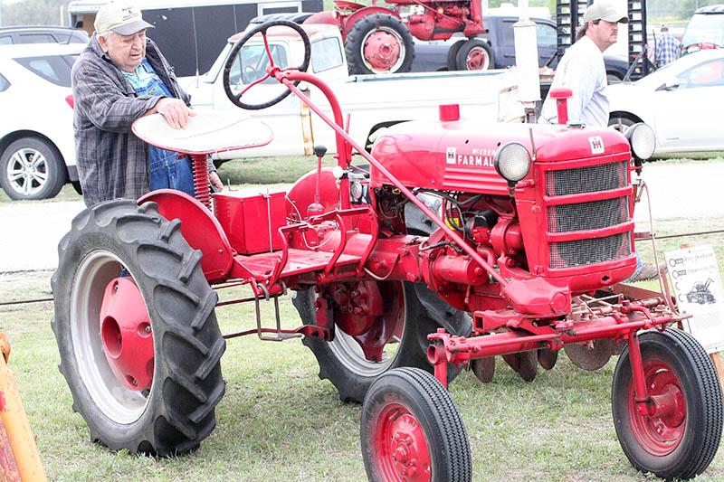 Antique tractors 04
