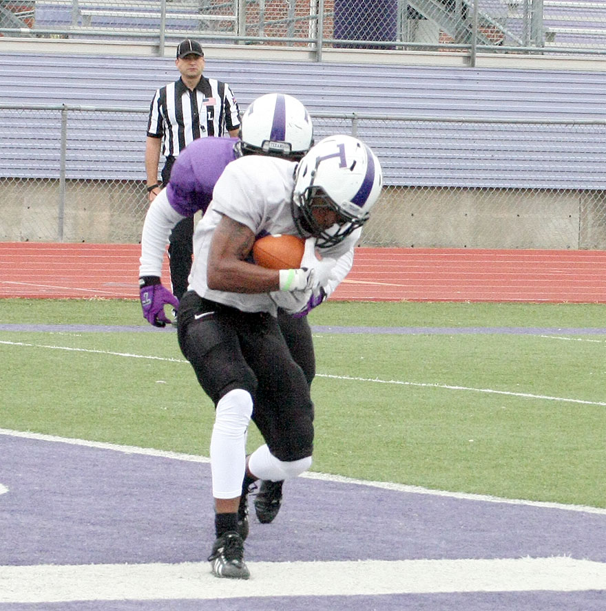 Le'Nard Meyers scores one of his two touchdowns during Saturday's intrasquad scrimmage at Tarleton.