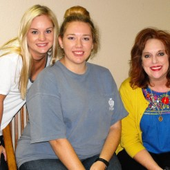 Julie Crouch (Executive Director of the CTFAC) with Shyanne McClure and Ali Wilkinson (volunteers from TSU Delta Zeta).