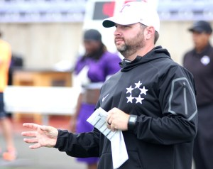Tarleton offensive coordinator Mason Miller calls a play by hand signals during a practice last week. || TheFlashToday.com photo by BRAD KEITH