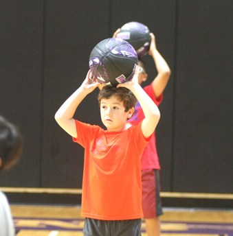 Dribble tag Texan hoops camp 05