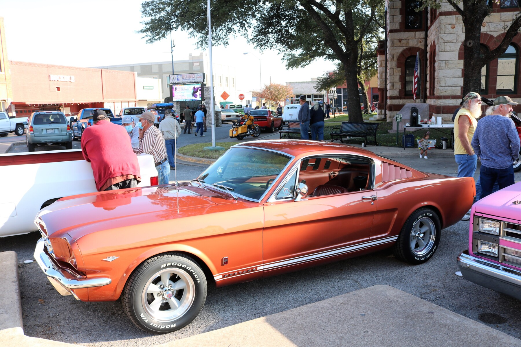 Cars-Coffee-at-the-Courthouse-11