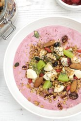 Pretty in Pink Smoothie Bowl [vegan] by The Flexitarian