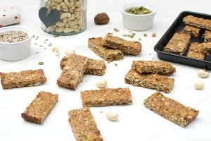 Cashew & Fig Bars [vegan] [gluten free] by The Flexitarian