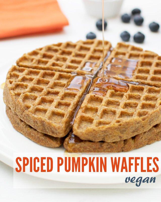 Spiced Pumpkin Waffles [vegan] v900