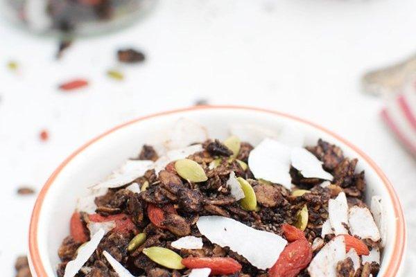 Chocolate & Coconut Spelt Granola [vegan] by The Flexitarian