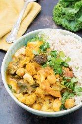 Easy Cauliflower & Kale Korma [vegan] by The Flexitarian