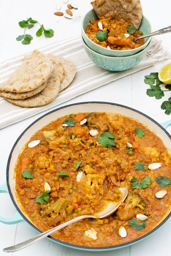 Low Cost Recipe - Easy Peasy Vegetable Curry [vegan] by The Flexitarian