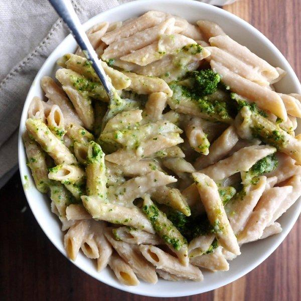 """Garlicky White Bean Pasta """"Faux-Fredo"""" with Kale Pesto [vegan] by Healthy Recipe Ecstasy"""