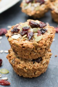 Cranberry Baked Oatmeal Cups [vegan] by The Flexitarian