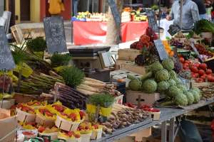 3 Easy Ways to Eat More Local and Seasonal Food 2019 © Annabelle Randles | The Flexitarian www.theflexitarian.co.uk |