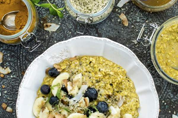 Golden Overnight Porridge [vegan] [gluten free] by The Flexitarian © Annabelle Randles