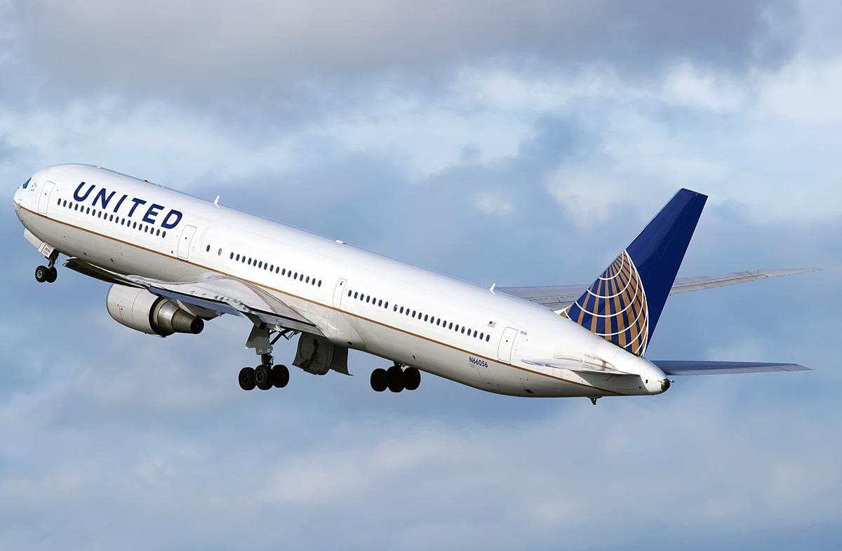 Die cast 1:200 Boeing 767 400ER ? - DA.C