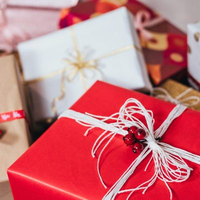 Holiday Gift Wrapping Tutorial