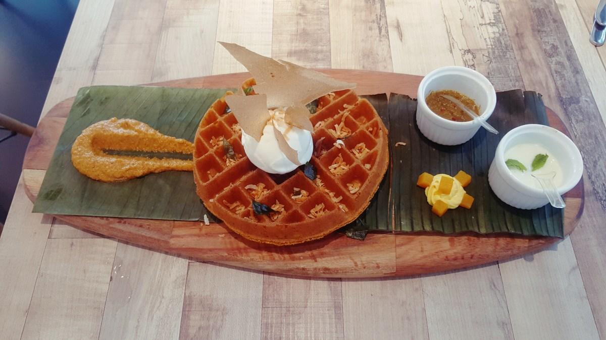 Foret Blanc @ Petaling Utama Avenue, PJ - Banana leaf waffle, anyone?