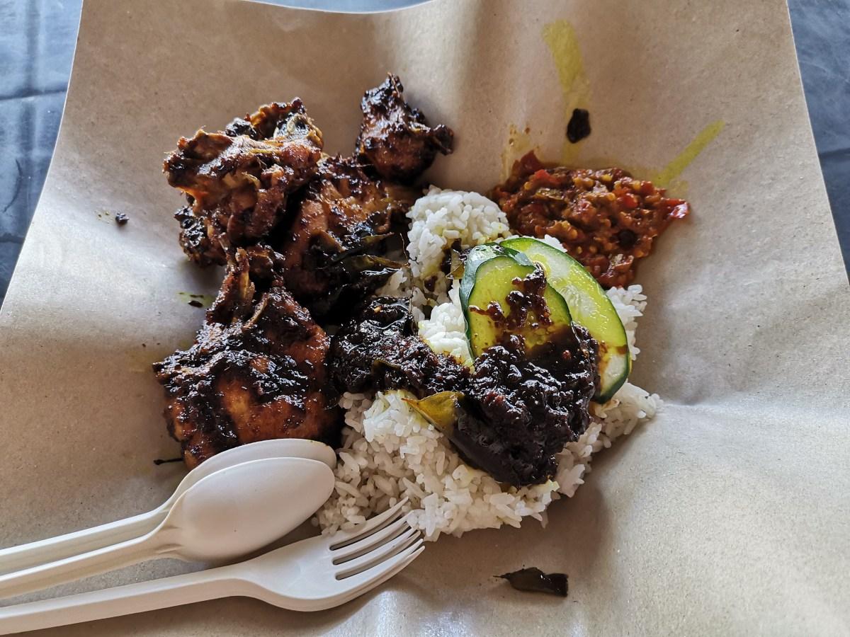 3 Budak Gemok @ Sri Hartamas -  Nasi Ayam Kicap Sambal Gesek. YUM !!!