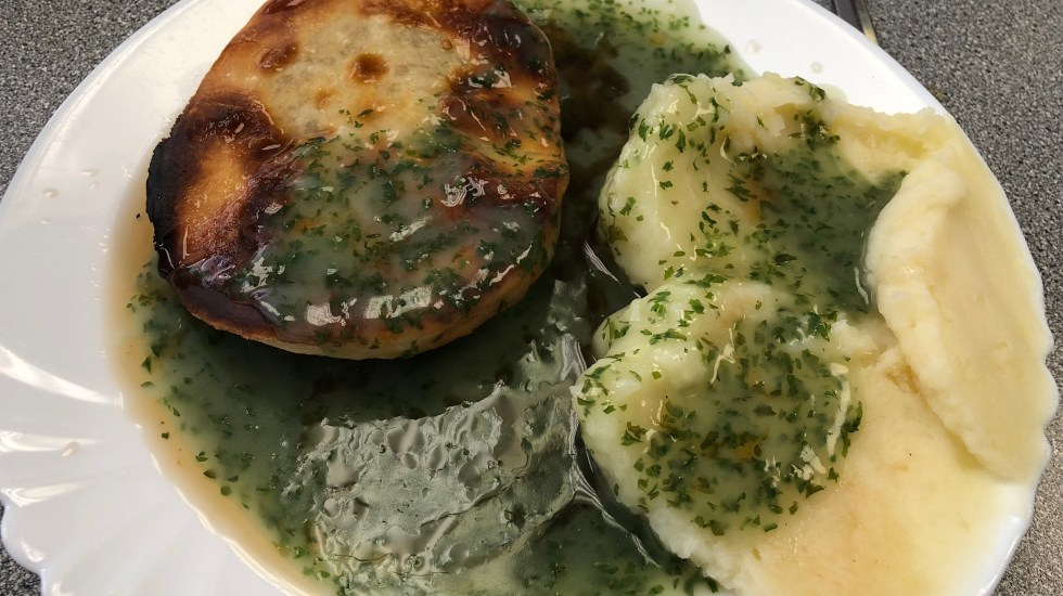 Maureens Pie & Mash liquor 2