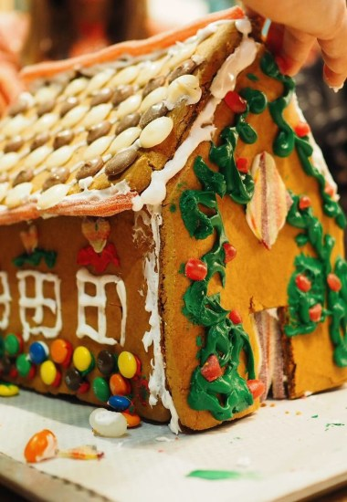 Curry's PC World and NEFF Ovens – Gingerbread House Bake Off event