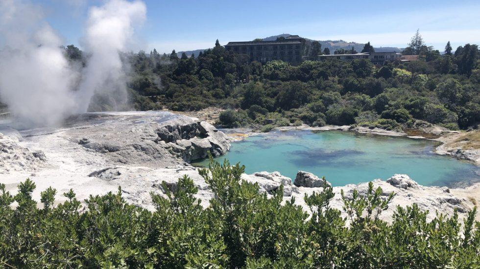 Pōhutu geyser