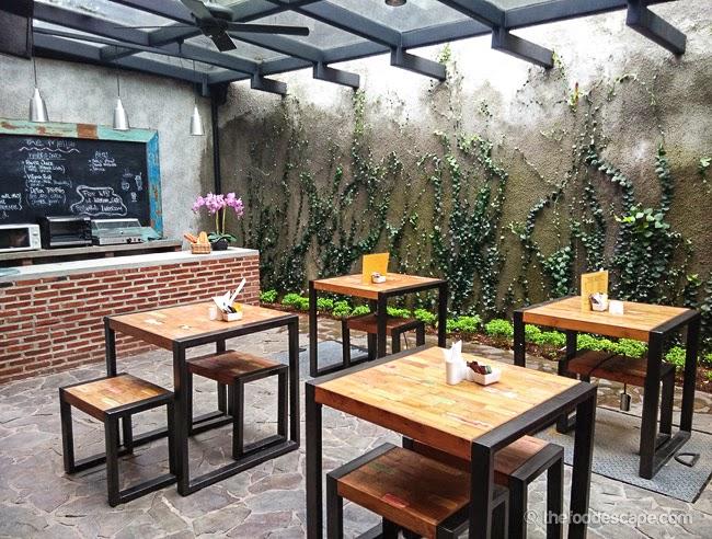 Living Room Cafe Kemang Jakarta  FOOD ESCAPE