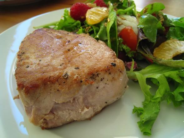 SEARED TUNA AND MANDARIN SALAD recipe