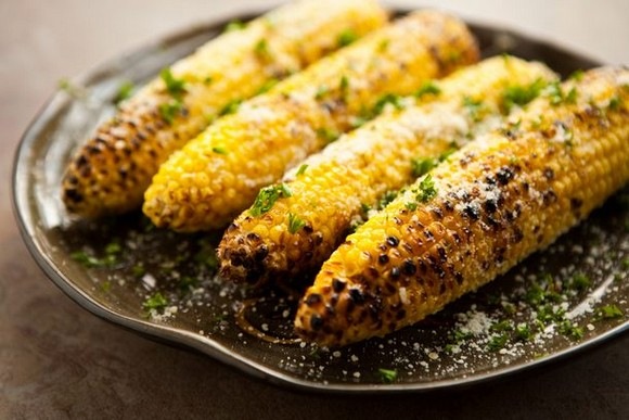 Grilled corn with chipotle lime butter cilantro recipe picture 2