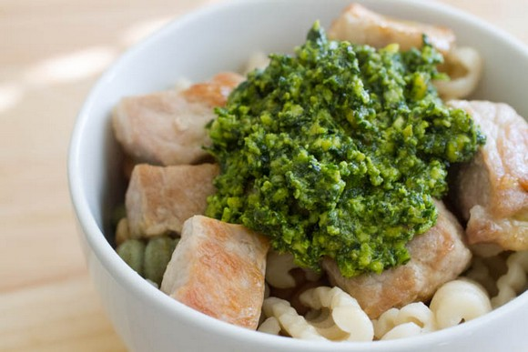Easy Chicken and Pasta with Spinach Pesto recipe photo