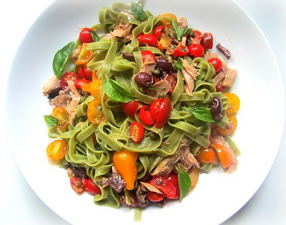 Tagliatelle with Cherry Tomatoes, Tuna, Anchovies & Basil recipe photo