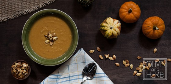 Pumpkin Carrot Soup with Curried Pumpkin Seeds recipe photo