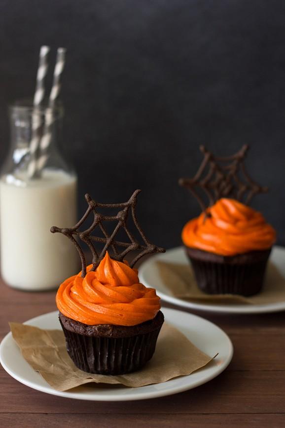 Pumpkin Chocolate Spiderweb Cupcakes recipe photo