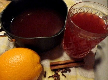 Non-Alcoholic Christmas Spiced Fruit Punch from The Furious Pear Pie
