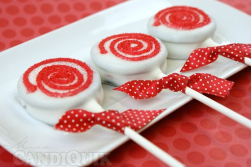 Peppermint Oreo Lollipops by Miss CandiQuik