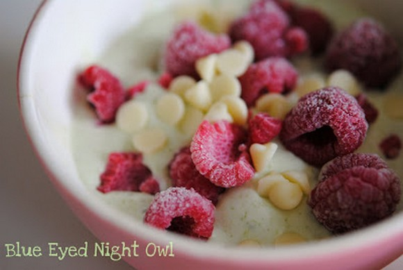 Green Tea Frozen Yoghurt with Raspberries