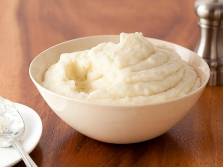Mashed Potatoes with Roasted Garlic and Mascarpone Cheese Recipe
