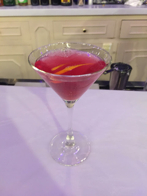 http://honorshavenresort.blogspot.com/2016/02/valentines-cocktail-recipe-cupids-arrow.html