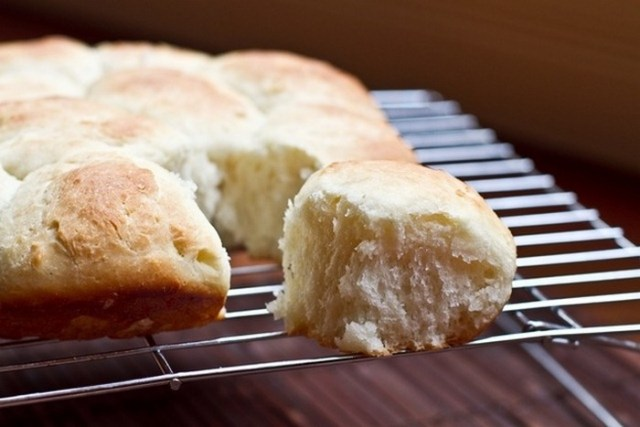 fluffy-white-dinner-rolls-recipe-from-ohsheglows