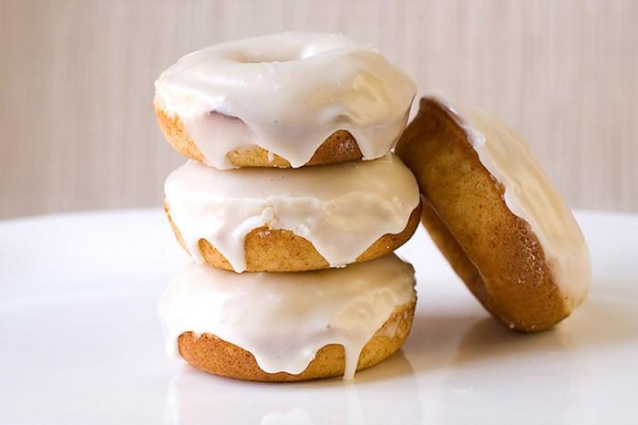 Baked Eggnog Doughnuts