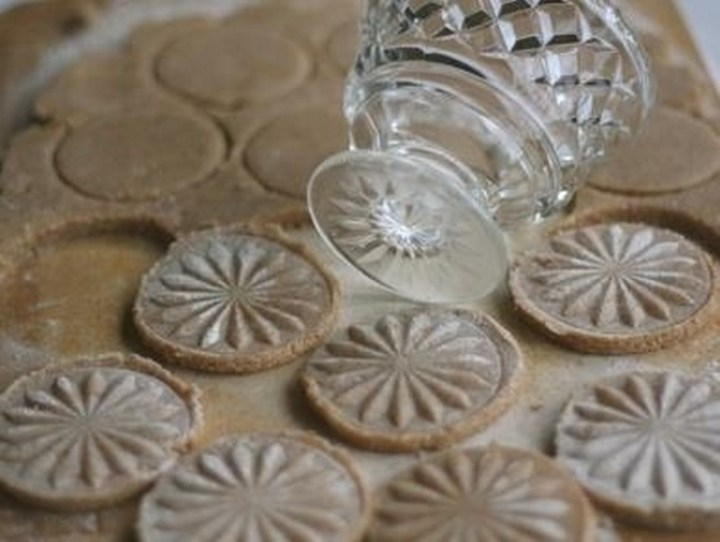 Use the bottom of a crystal glass to imprint shortbread cookies