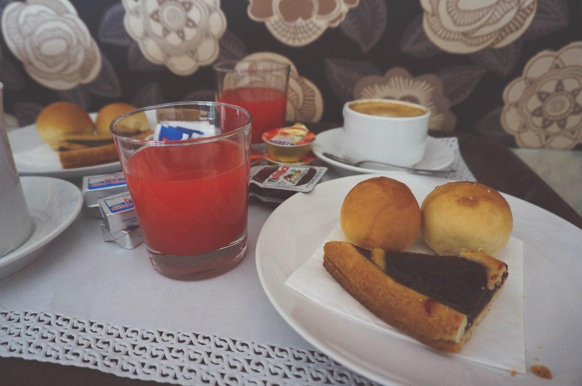 Roma.breakfast