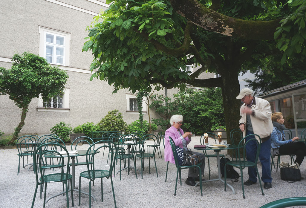 Tomasellis Garden Cafe in Salzburg