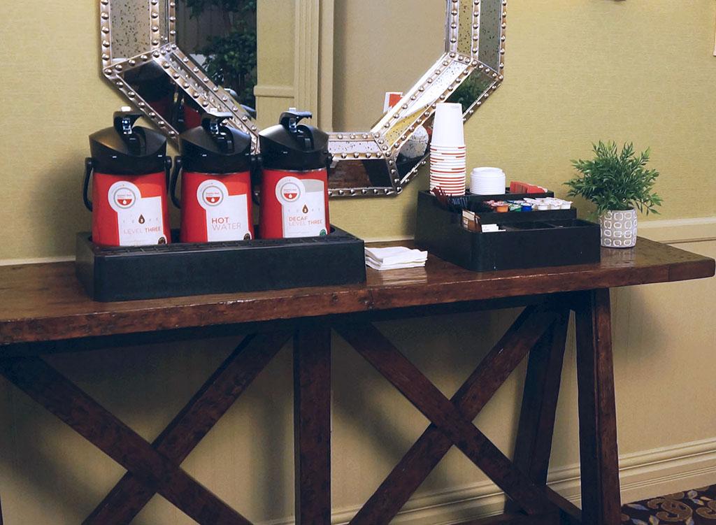 1000IslandsHarborHotel.Coffee stand