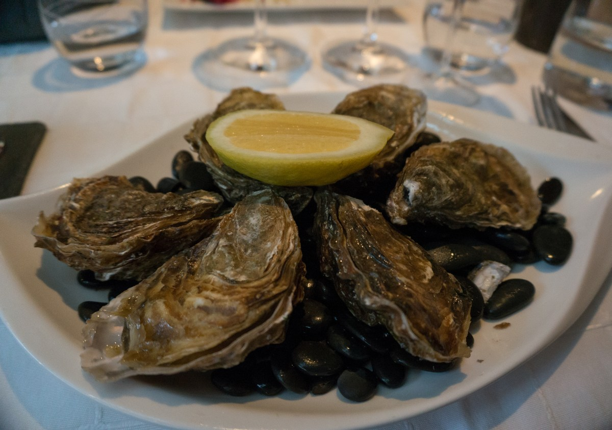 Romantic Foods Throughout History Oyster