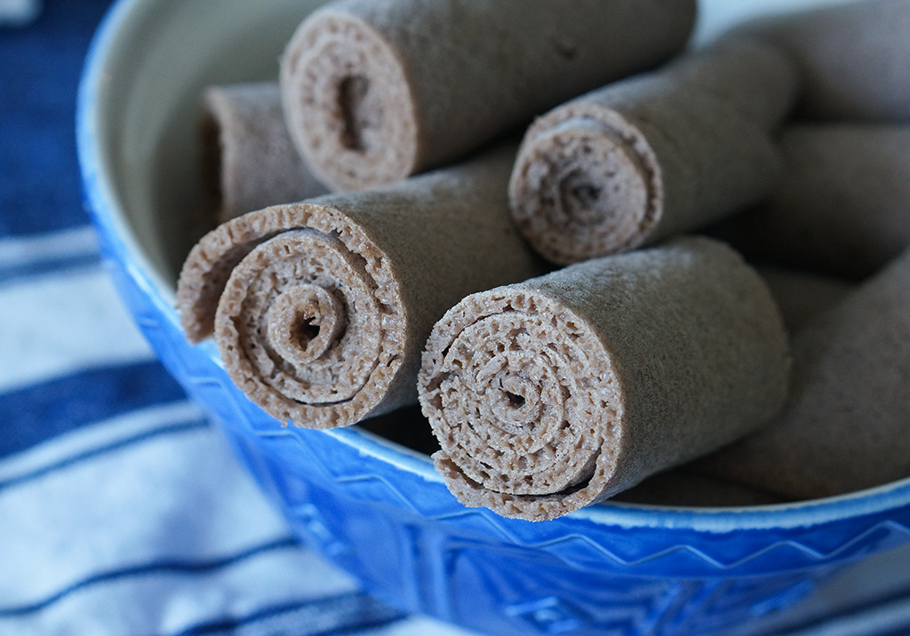 Bowl of rolled injera