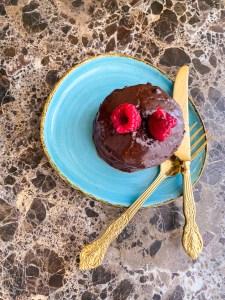 mini eggless chocolate cakes