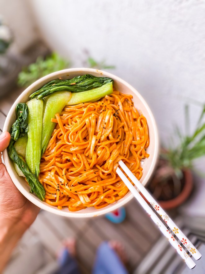 spicy vegan gochujang noodles