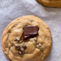 Eggless Levain Bakery-Style Chocolate-Chip Cookies