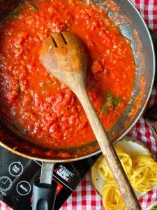 easy vegan arrabbiata pasta