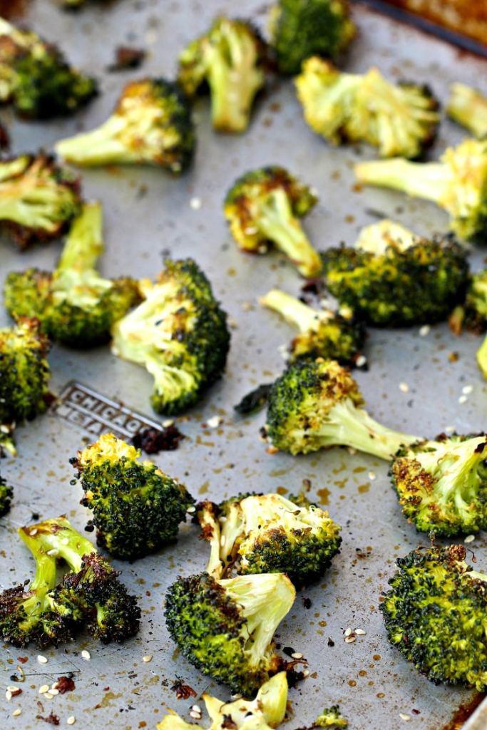 Sesame Roasted Broccoli | @foodiephysician