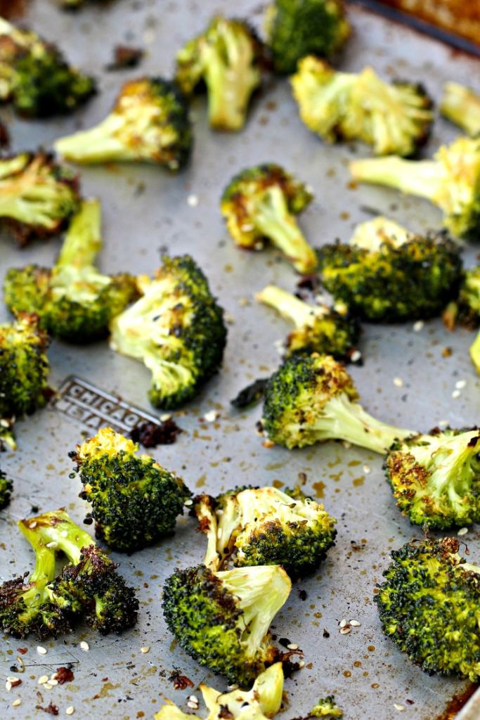 Sesame Roasted Broccoli | @foodiephysician