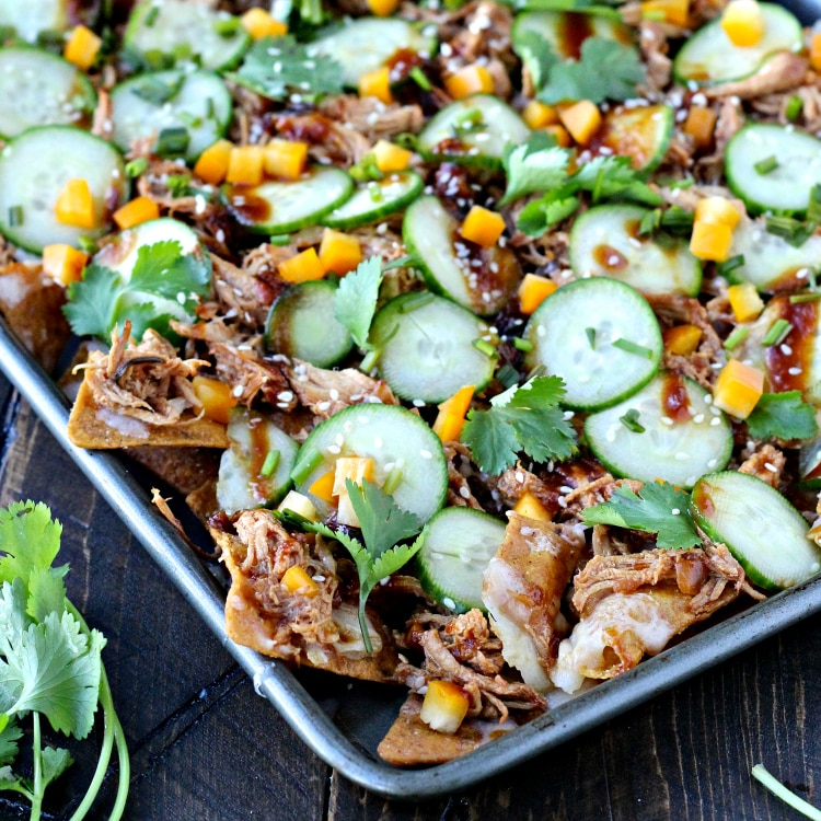 Slow Cooker Asian Pulled Chicken Nachos | @foodiephysician